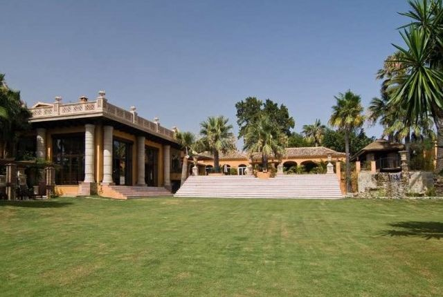 Thumbnail Villa for sale in Spain, Málaga, Marbella, Atalaya De Río Verde