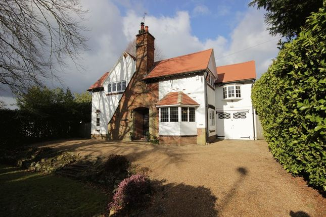 Thumbnail Detached house for sale in London Road, East Grinstead, West Sussex