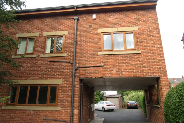 Thumbnail Duplex to rent in Leeds Road, Outwood
