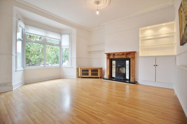 Thumbnail Flat for sale in Wellington Road, Bush Hill Park, Enfield, London