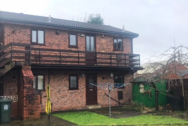 Thumbnail Flat to rent in Chatwell Court, Rochdale