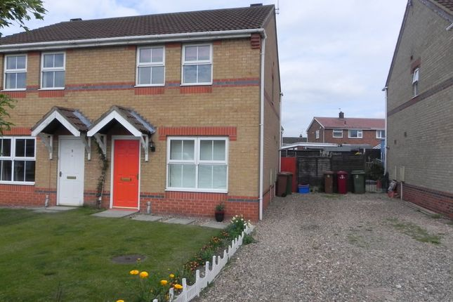 Thumbnail Semi-detached house to rent in Fenners Avenue, Bottesford, Scunthorpe