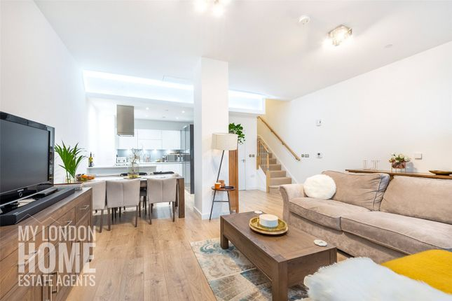 Thumbnail Detached house for sale in Williamsburg Plaza, Manhattan Plaza, Canary Wharf, London