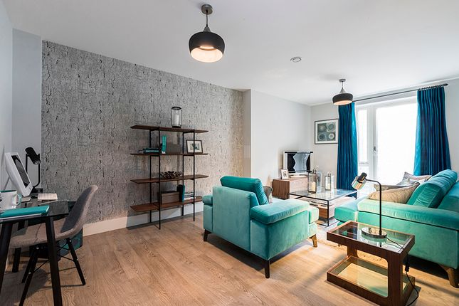 Thumbnail Flat for sale in Scotland Green, London