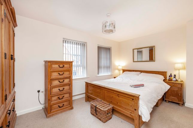 Bedroom 1 of Spire Heights, Chesterfield S40