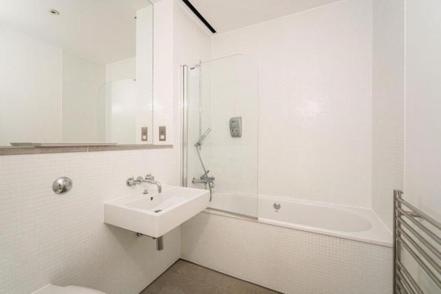 Bathroom of Stonehouse, Plymouth, Devon PL1