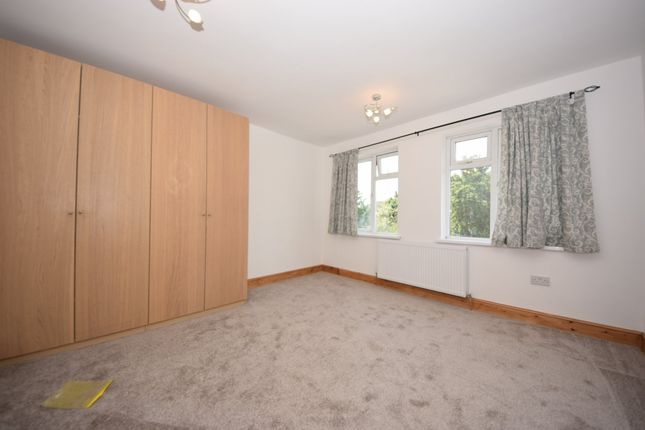 Thumbnail Terraced house to rent in The Drive, Ilford