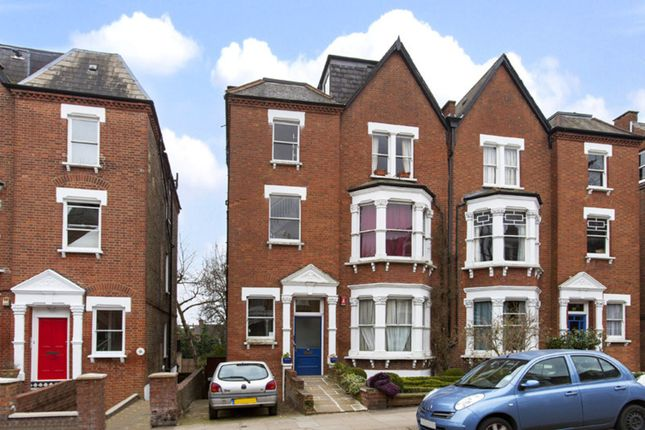 2 bed flat for sale in Nassington Road, London