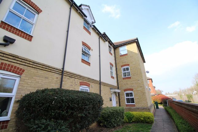Thumbnail Flat to rent in The Sidings, Dunton Green, Sevenoaks