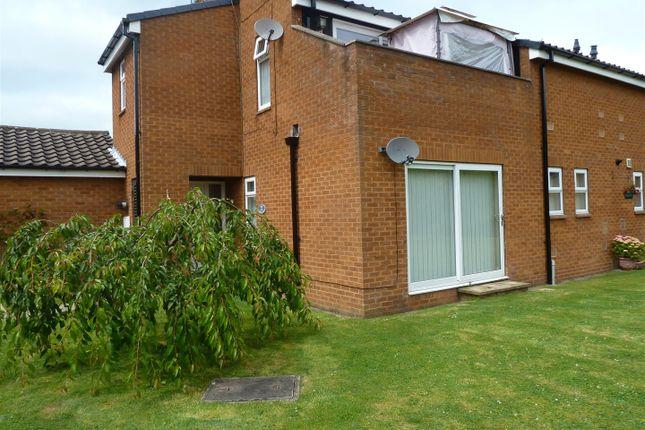 Thumbnail Flat to rent in Glenfield Drive, Kirk Ella, Hull