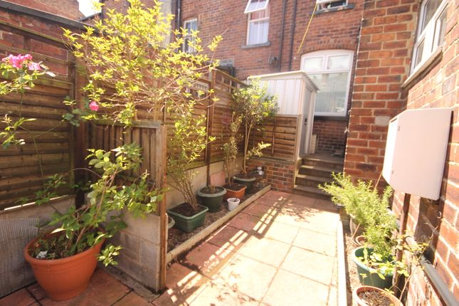 Thumbnail Terraced house to rent in Hanover Square, Leeds