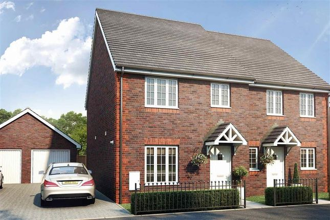 Thumbnail Semi-detached house to rent in Crawley