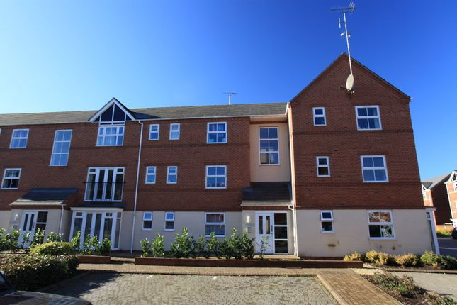 Thumbnail Flat to rent in Verney Road, Banbury