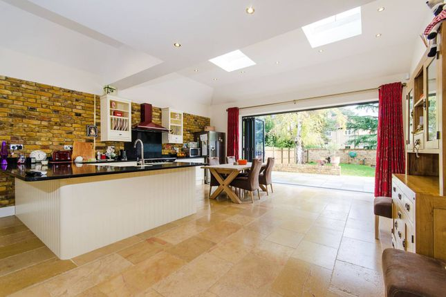 5 bed property for sale in Lime Grove, Eastcote