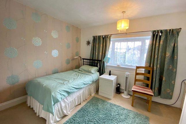 Picture No. 20 of Snelling Avenue, Northfleet, Kent DA11