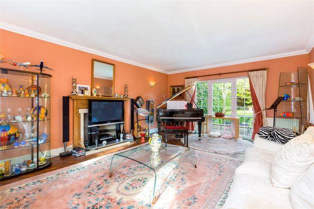 Picture No. 14 of Sandisplatt Road, Maidenhead, Berkshire SL6