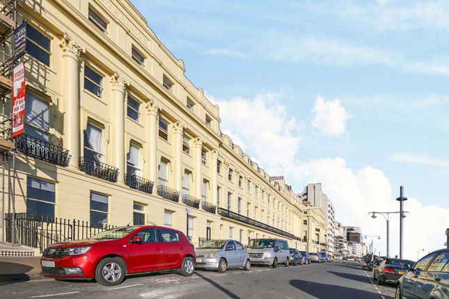 2 bed flat for sale in Brunswick Terrace, Hove BN3