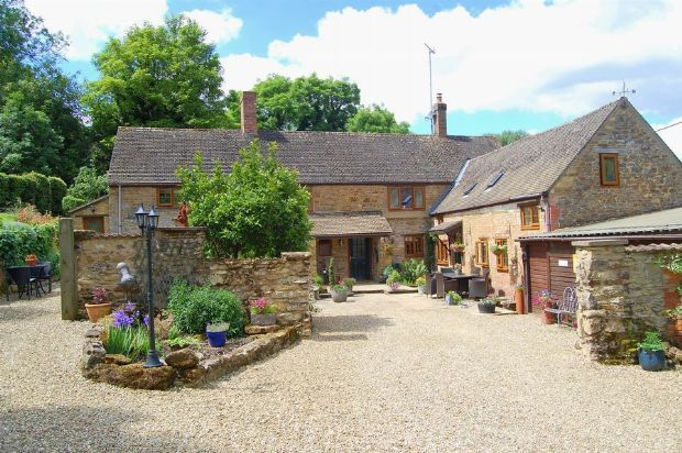 Thumbnail Cottage for sale in Main Street, Dodford, Northamptonshire
