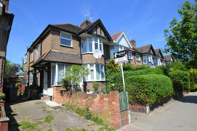 Thumbnail Flat to rent in Braemar Avenue, London