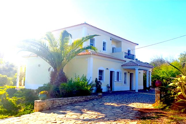 3 bed villa for sale in Cabanita, Loulé (São Sebastião), Loulé, Central Algarve, Portugal