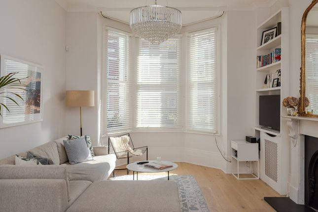 Thumbnail Duplex to rent in Lakeside Road, London