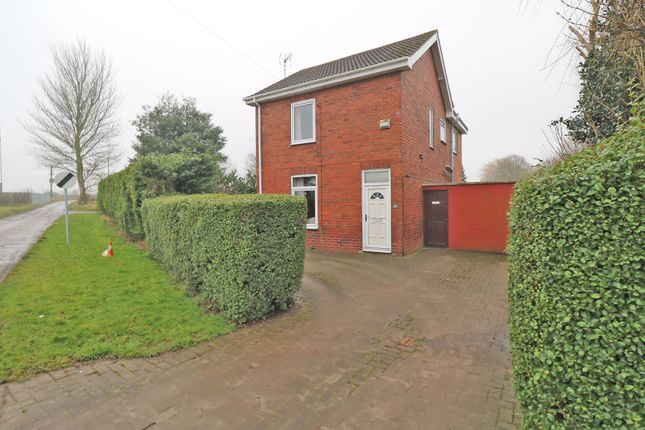 Thumbnail Detached house for sale in Field Road, Crowle, Scunthorpe