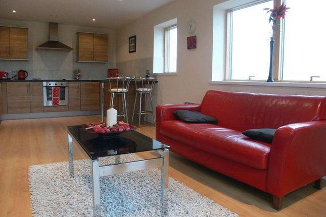 Flat to rent in Waterside Way, Wakefield