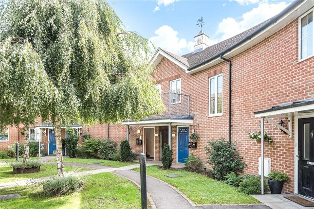 Picture No. 01 of Knightscote Close, Harefield, Uxbridge, Middlesex UB9