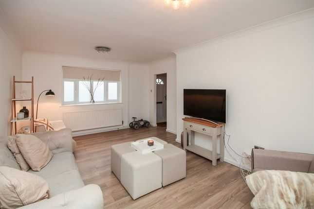 Thumbnail Terraced house for sale in Hookfield, Harlow