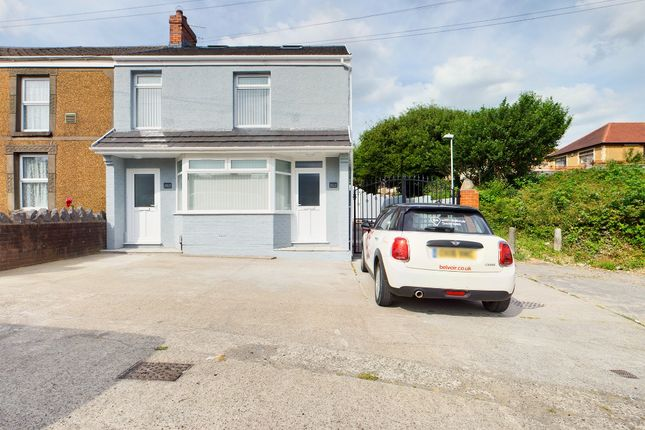 3 bed flat to rent in Carmarthen Road, Swansea SA5