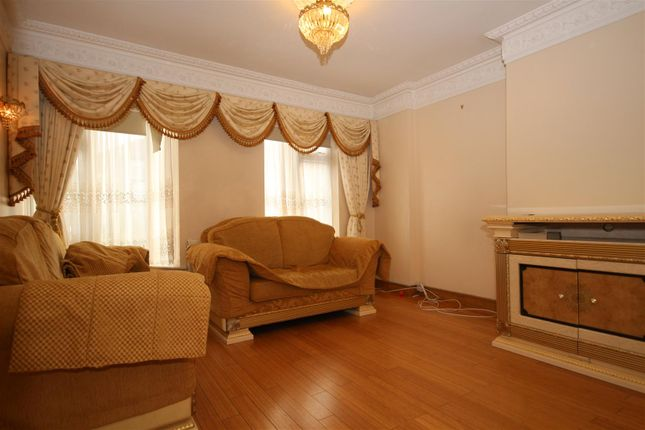 Thumbnail Terraced house to rent in Sunningdale Avenue, Acton