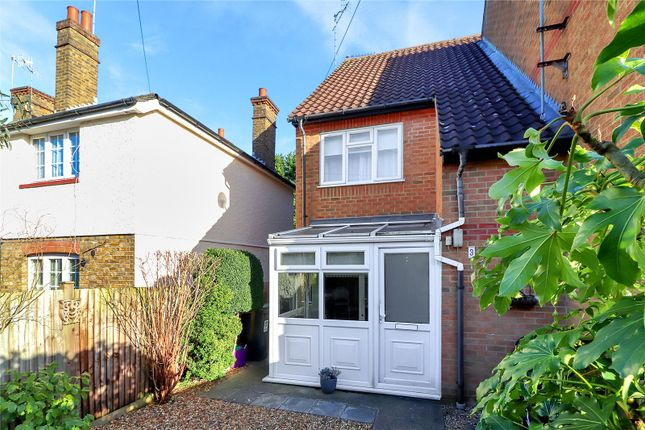 Thumbnail Property for sale in Waterside, Kings Langley