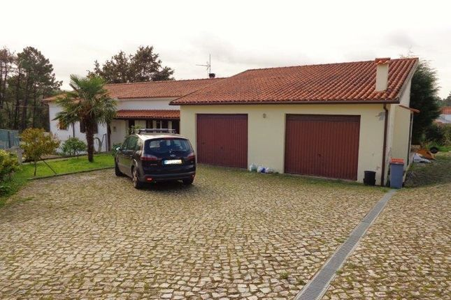 4 bed bungalow for sale in Lousã E Vilarinho, Lousã, Coimbra, Central Portugal