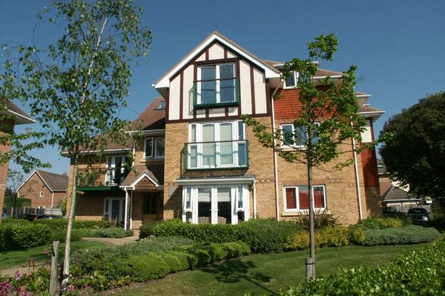 2 bed flat for sale in Fernhill Lane, New Milton