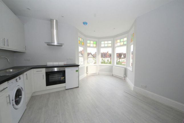 Thumbnail Flat to rent in Conway Road, London