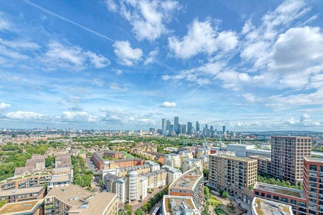 1 bed flat for sale in Ontario Point, Canada Water SE16