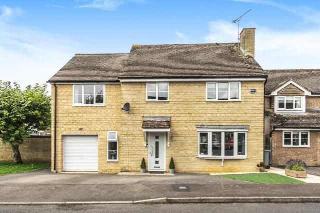 Thumbnail Detached house for sale in Saxel Close, Aston
