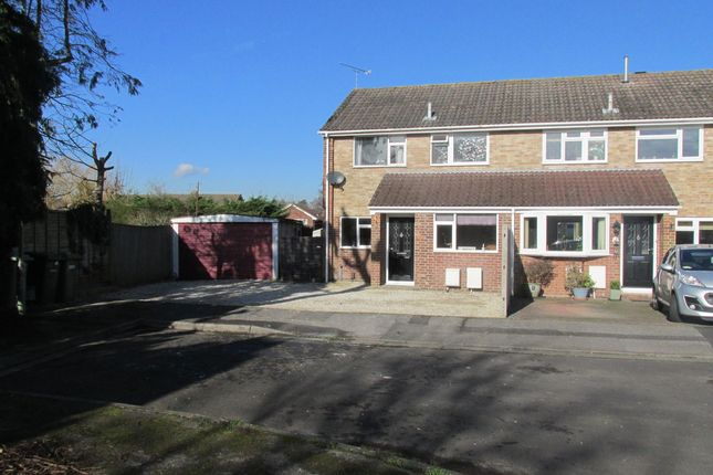 Thumbnail End terrace house for sale in Blossom Close, Botley, Southampton