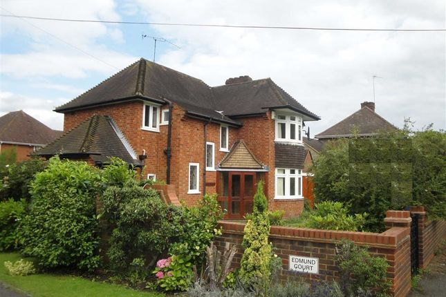 Thumbnail Detached house for sale in North Drive, Beaconsfield, Buckinghamshire