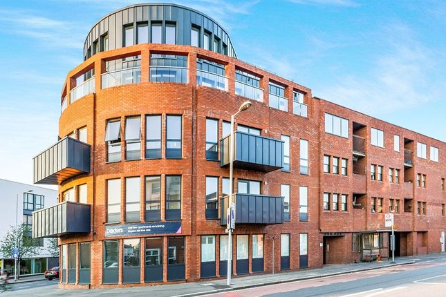 Thumbnail Flat to rent in Coombe Road, Kingston Upon Thames