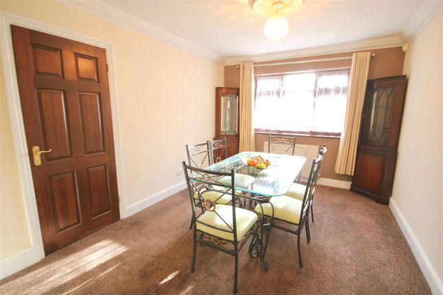 Stakes Road Purbrook Waterlooville Po7 4 Bedroom