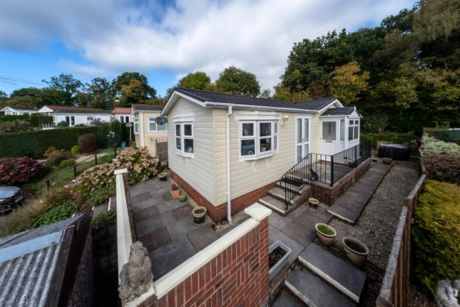 Mobile/park home for sale in 7 Oak Way, Caerwnon Park, Builth Wells