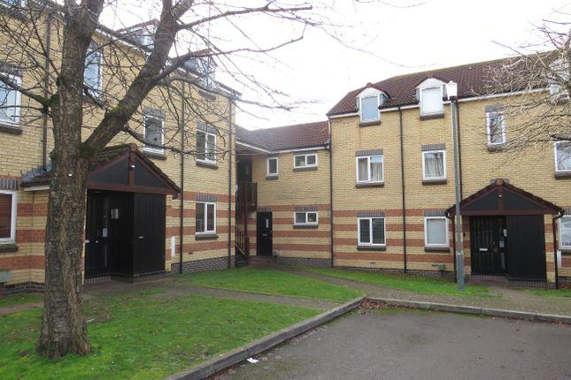 Thumbnail Flat to rent in Braemar Crescent, Bristol