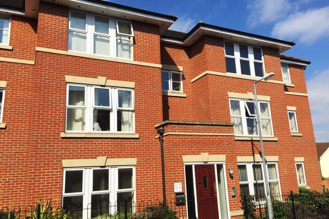 Thumbnail Flat for sale in Goodwin Close, Chelmsford