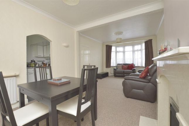 Thumbnail Terraced house to rent in Parkside Avenue, Romford