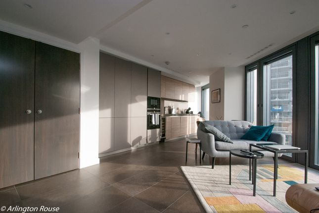 Thumbnail Property to rent in Chronicle Tower, City Road, Islington, London