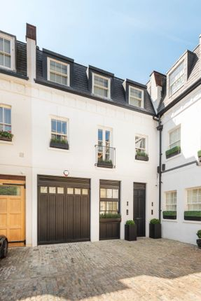 Mews house for sale in Grosvenor Crescent Mews, London