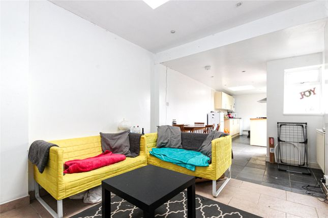 Thumbnail Maisonette to rent in Gloucester Road, Horfield, Bristol