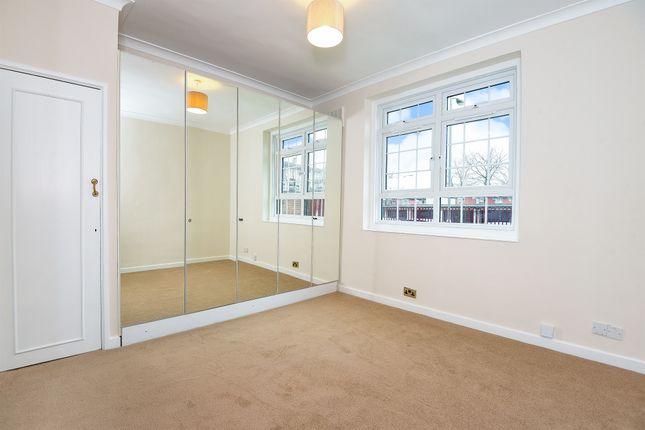2 bed flat for sale in Hazelhurst Road, London