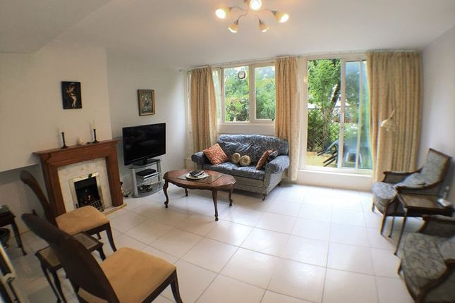 3 bed flat to rent in Maida Vale, London